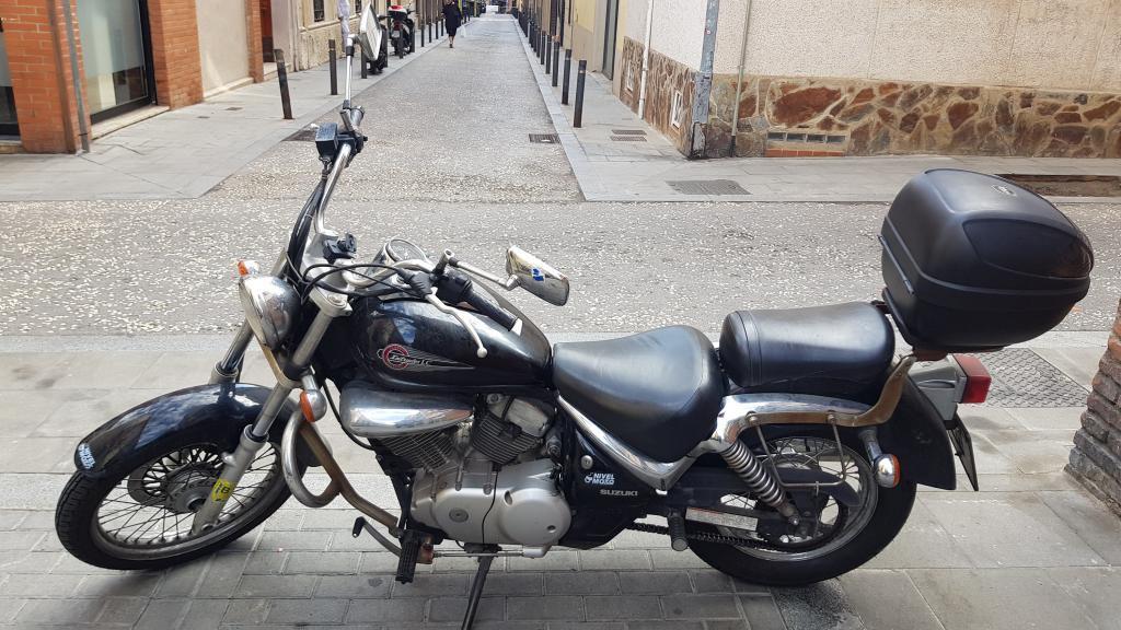 Suzuki INTRUDER LC 125