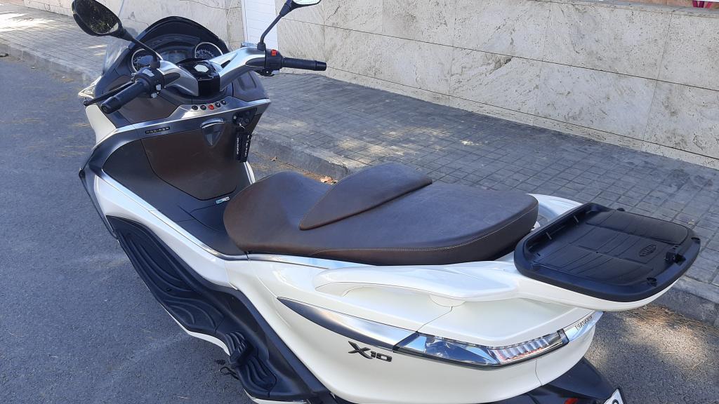 Piaggio-Vespa X10 125 EXECUTIVE