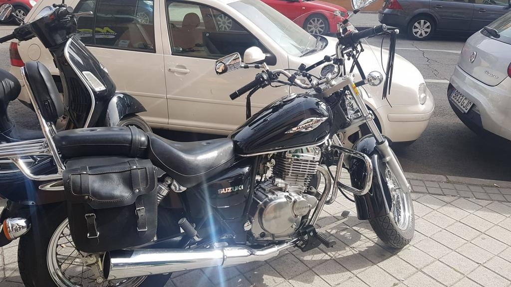 Suzuki MARAUDER 250 GZ