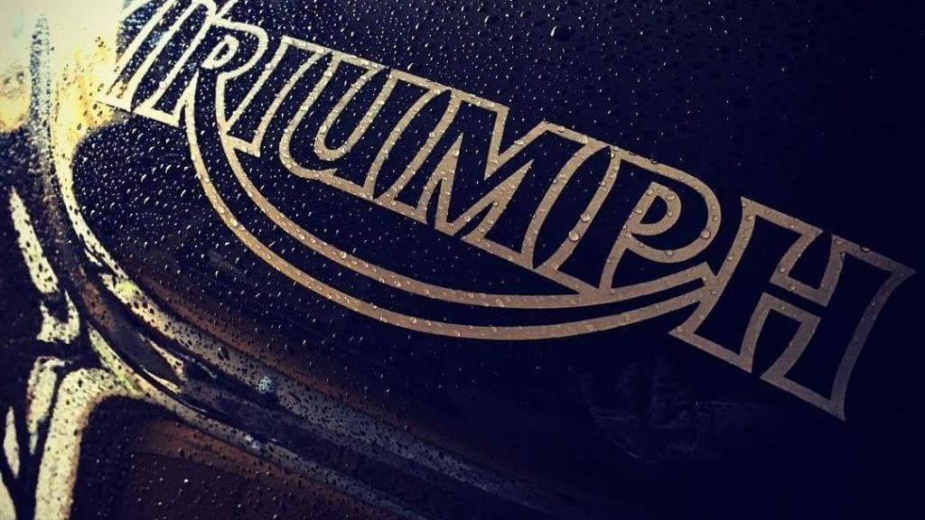 Triumph SPEED TRIPLE 955I 120CV