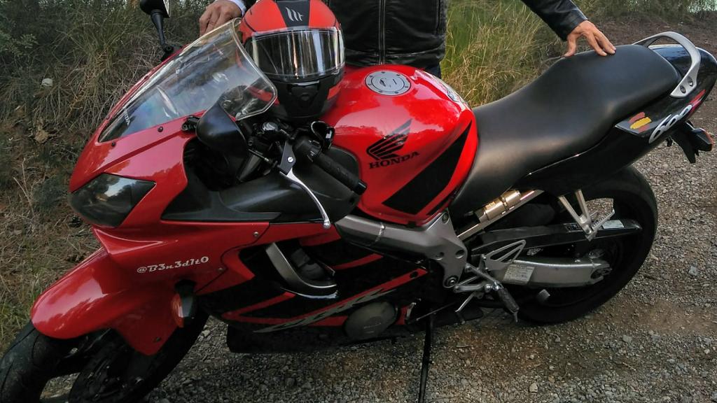 Honda CBR 600 F 04
