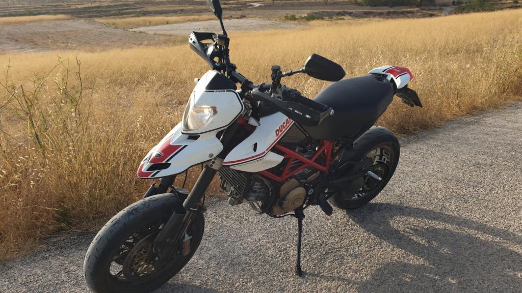 Ducati 1100 HYPERMOTARD EVO