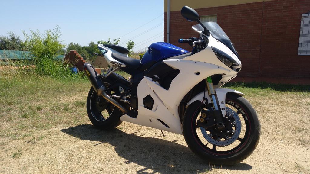 Yamaha YZF 600 R6 04