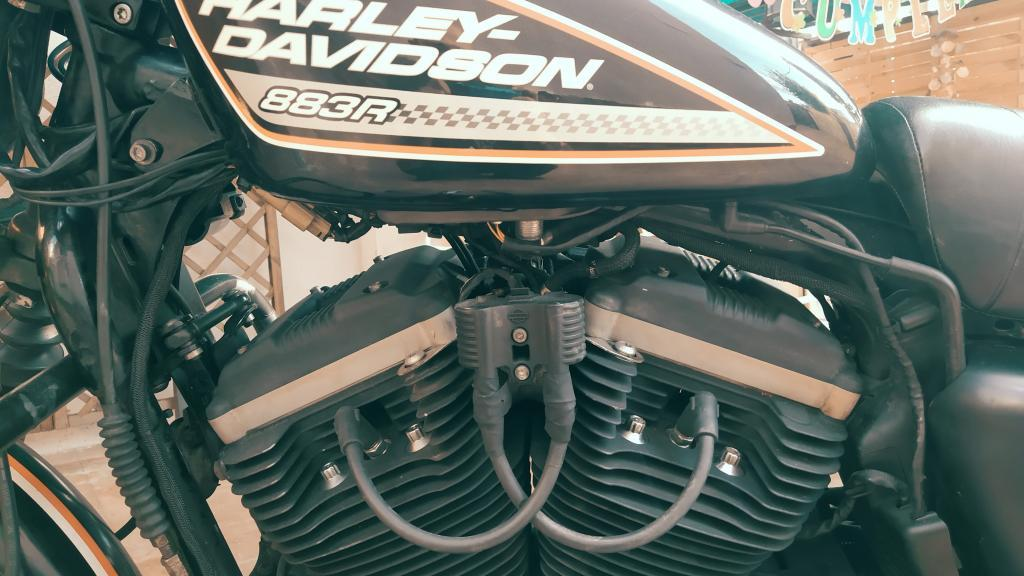 Harley Davidson SPORTSTER 883 R