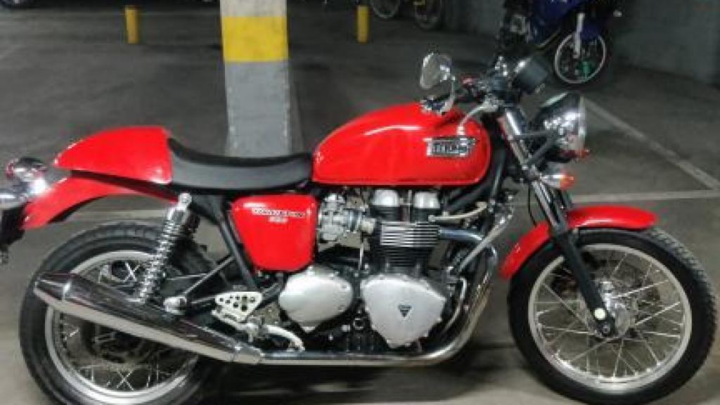 Triumph THRUXTON 900