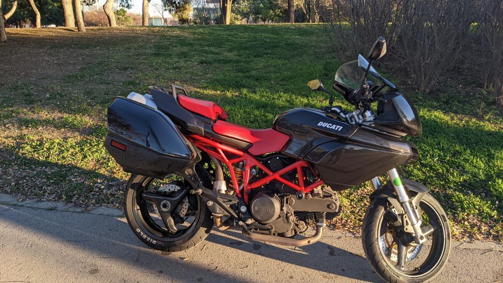 Ducati 620 I.E MULTISTRADA DARK
