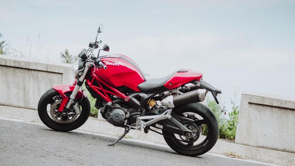 Ducati 696 MONSTER PLUS