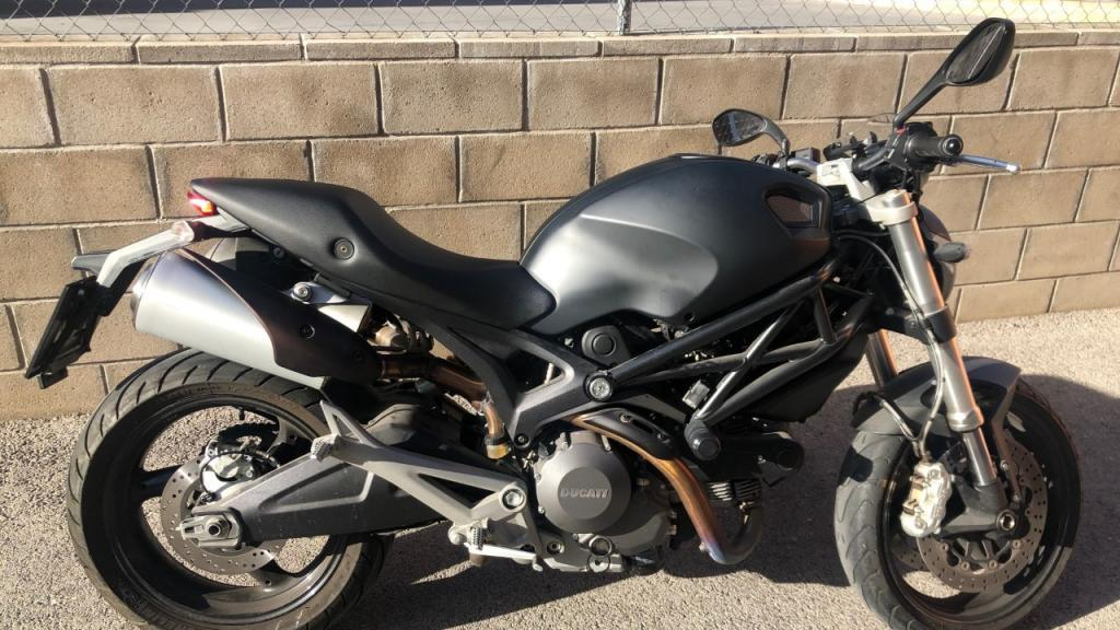 Ducati 696 MONSTER ABS