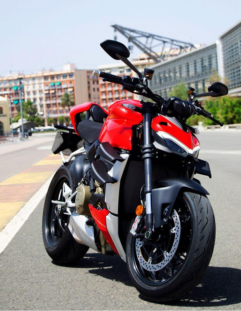 Sobre 2 Ruedas, el salón de la moto en Alicante